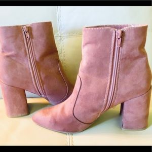 Blush Pink Suede Booties Ankle Boots Charlotte R 9